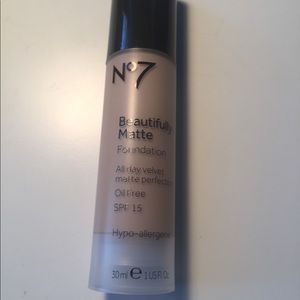 Other - NEW No 7 Beautifully Matte foundation